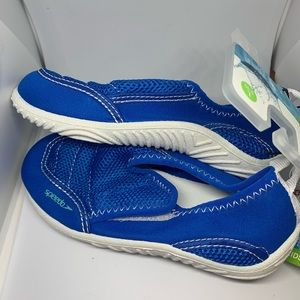 Sz 9/10 Speedo Water Shoes NWT